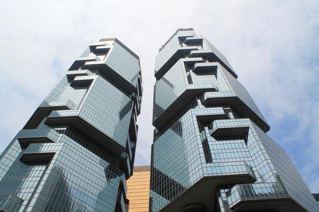 Hong Kong - A balanced view of Hong Kong (credit Asian Trails)